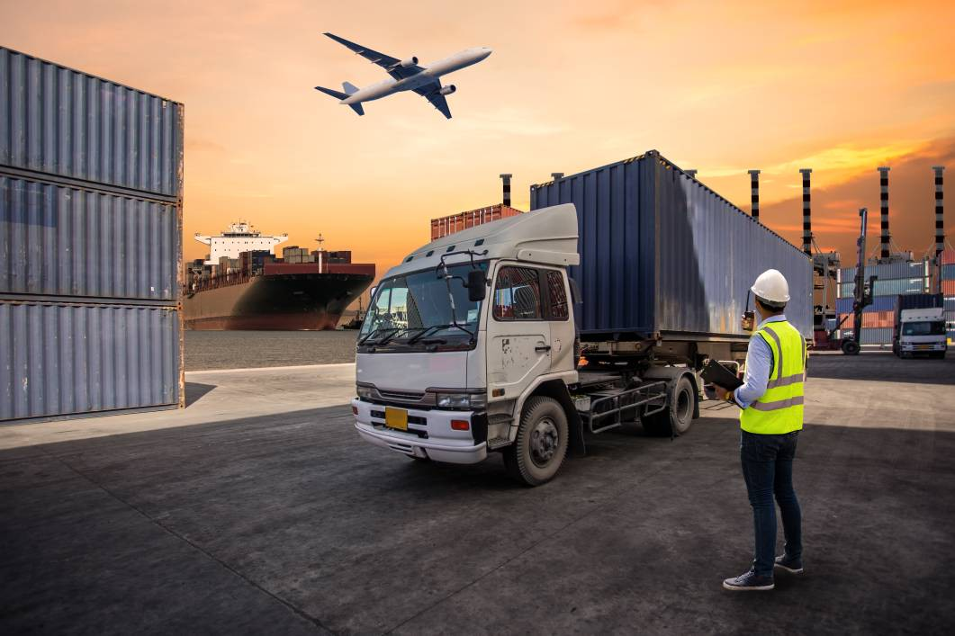 Immersive Cloud and XR for Logistics and Warehousing